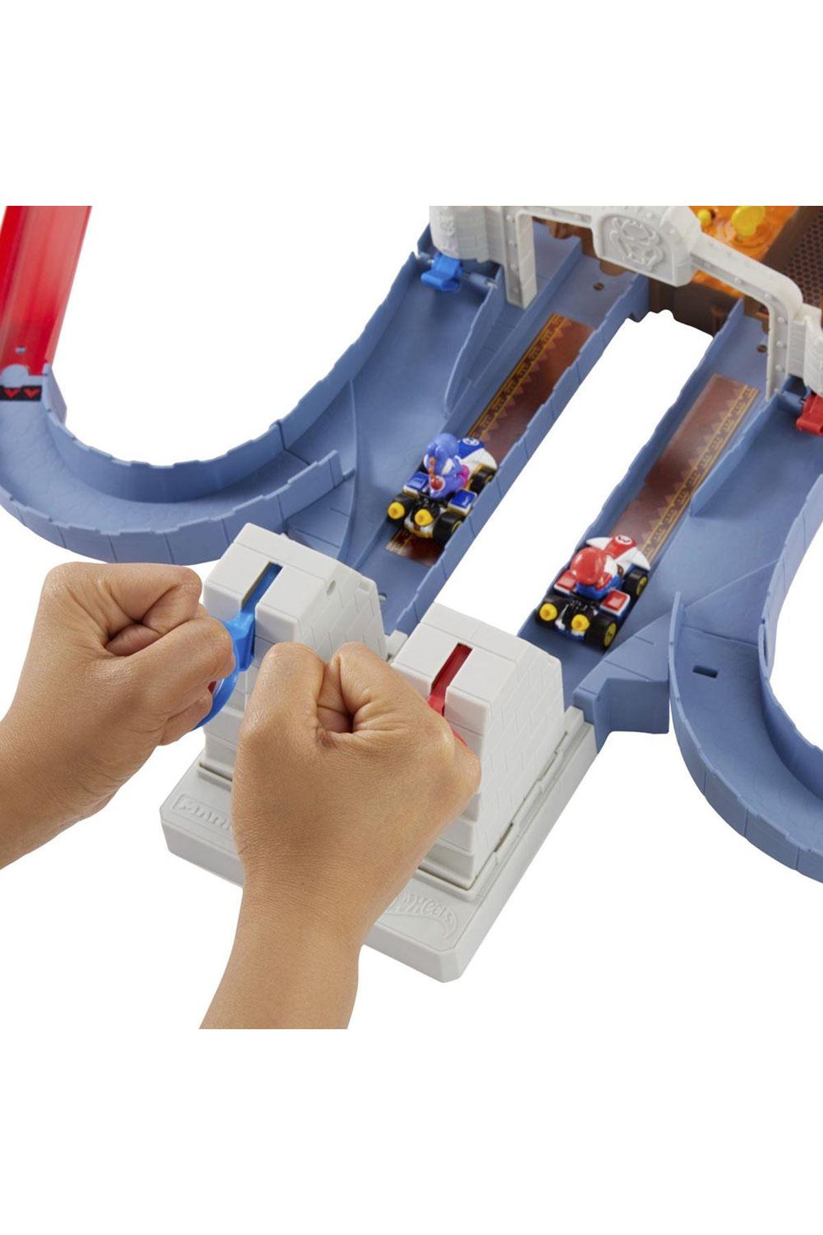 Hot Wheels Mario Kart Bowser'in Kalesinde Kaos Oyun Seti GNM22